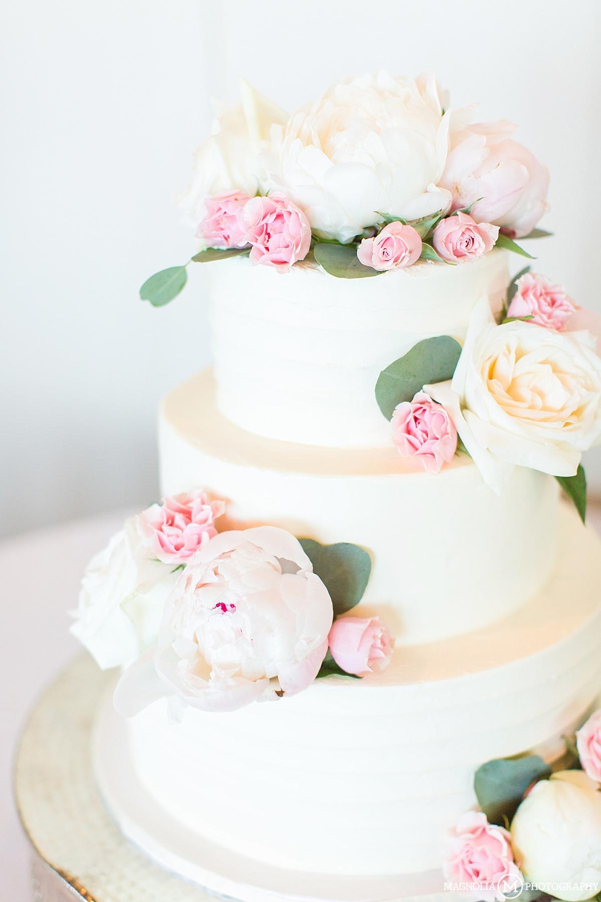 White Paeonia Wedding Cake